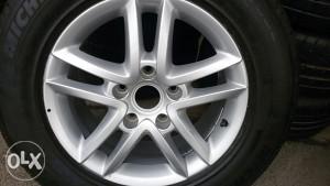 Alu felga sa gumom Michelin   za TOUAREG  255/60/17