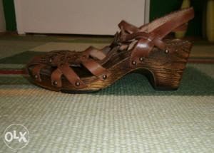 Krasne kožne sandale.Marka N2.H
