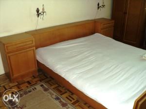 spavaća soba (krevet,2 komode, 2 ormara)