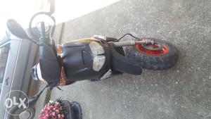 skuter aprilija