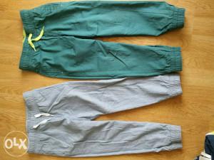 Pantalone h&m 110 (oboje za 20,kao nove)