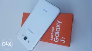 Samsung Galaxy J7 White - Duos