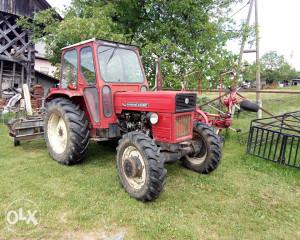 Traktor Universal 445DTC