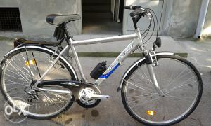 A luminijski bicikl TREK KING