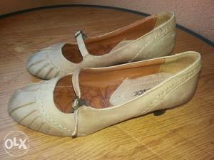 Zenske kozne cipele/salonke br.38