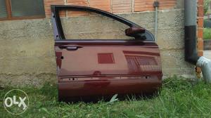 Fiat stilo prednja desna vrata bez stakla