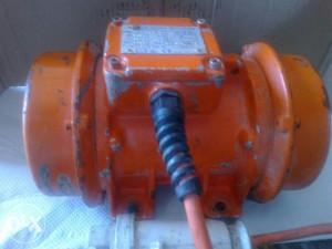 Vibrator za vibro stolove 42V