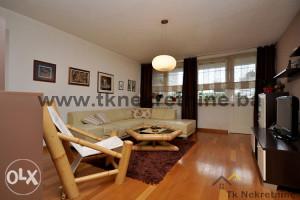 Moderan i kvalitetno adaptiran trosoban stan 93 m²