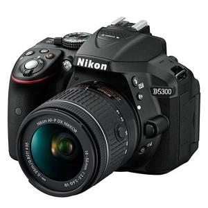 Nikon D5300 sa kit  objektivom 18-55