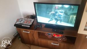PLAYSTATION 3 SA 4 IGRE SA LED TELEVIZOROM FOX 32 INCA