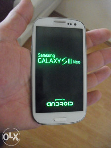 "SAMSUNG S3 NEO 4.8"" / 9301 sve radi ZELEN dis."