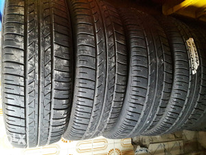 Bridgestone 165 65 15.4komada.dubina 6mm.dot 2011