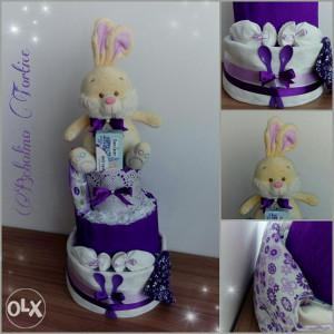 Poklon torta od pelena za baby djevojcicu