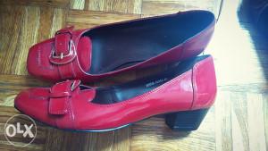 Cipele lakirane,crvene