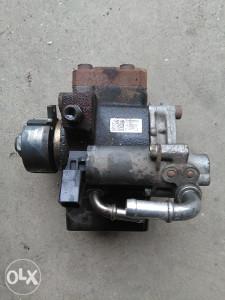 VW Golf 6 1.6 TDI common rail pumpa