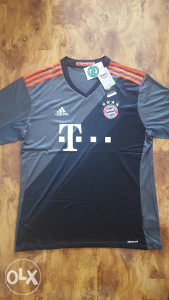 FC Bayern Munchen 2016/2017 gostujuci dres