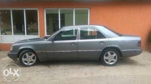 Mercedes 124 E 250TD