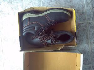 HTZ radne cipele 44 sa zaštitom za prste