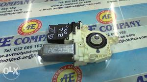 Motoric podizac stakla VW Golf 5 ZL 1K0959703C AE 927