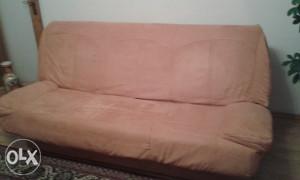 kauč očuvan