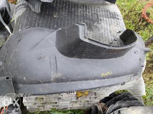 Plastike ispod blatobrana punto 2004g