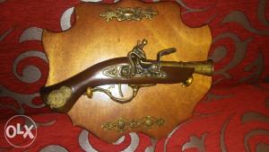 Anikvitet pištolj