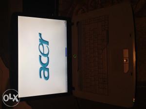 Acer Laptop 2GB RAM Dual Core 80GB