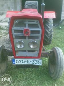 prodajem traktor540