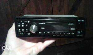 Radio za auto u ODLICNOM stanju