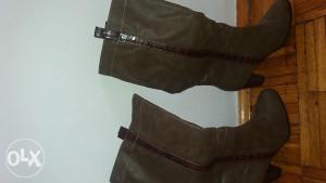 Zenske cizme nove 39