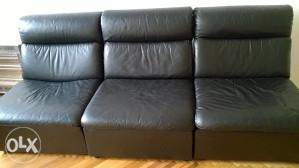 Tri kožne fotelje