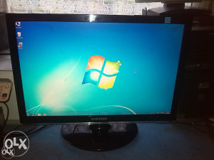 "Samsung lcd monitor 22"" wide"