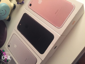 iPhone 7 SILVER NOVO NE KORISTENO