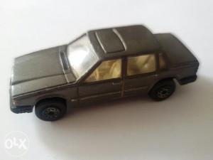 Stariji autić MC TOY Volvo 760 GLE
