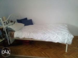 Nov krevet sa madracom