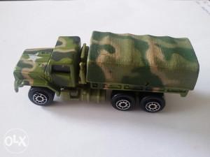 Vojni kamionćić Maisto M923 A1