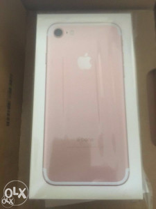 Apple iPhone 7 32GB ROZI i SILVER