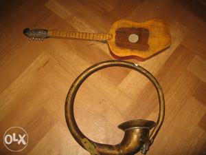 ukrasna gitara i truba