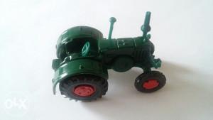 Autić stari Siku Traktor iz 1980 god.
