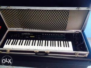 Klavijatura Yamaha DX11
