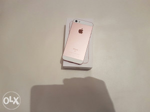 iPhone SE 64GB 7 mjeseci garancija,rose, odlično stanje