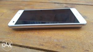 Huawei p8 lite duos 2GB ram 16GB memorija