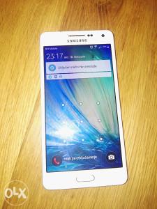 Samsung A5 (kao nov kupljen prije 20 dana )