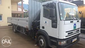 Kamion Iveco s hiab dizalicom