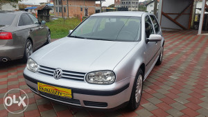 VOLKSWAGEN GOLF 4 1,4 B