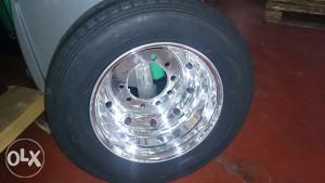 Guma + aluminijska felga  205/75 R 17.5