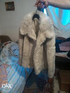 zenska krznena bunda beli vuk