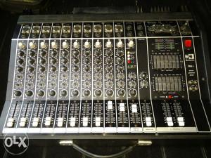 Montarbo aktivna mixeta 2x200w sa effektom