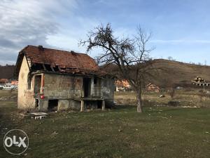 Kuca i zemljiste  u Tuzli