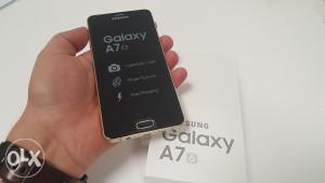 Samsung Galaxy A7 ( 2016 ) SM - A710 Gold